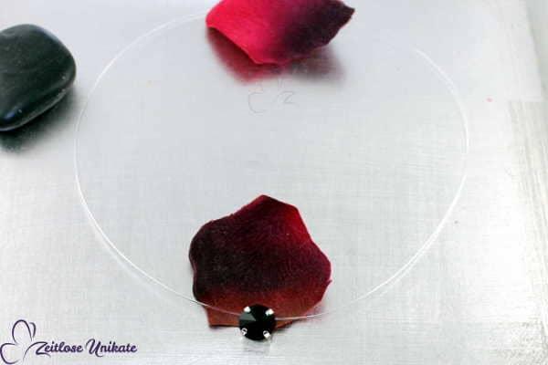 Kette schwebender Kristallstein in schwarz, eleganter Hingucker ~ schick zur Abendrobe