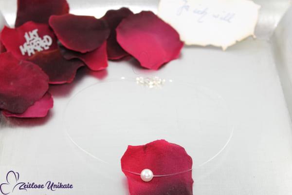 schwebende Perle, transparente Kette nicht nur für die Braut ein schönes Highlight!