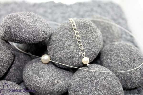 Brautschmuck - Singel Plus, schwebende Perle, hellsilberfarbene Kette nicht nur für die Braut