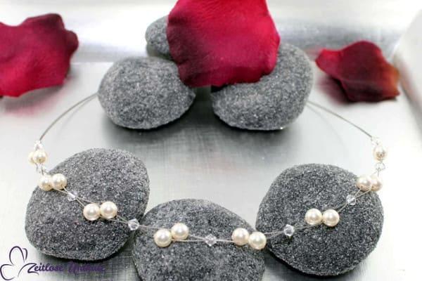 Luftig, filigrane Kette für die Braut, die es schlicht und elegant mag ~ z. B. Neckholder Brautkleid