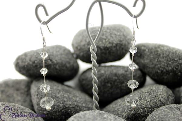 Shining, lange zarte Brautohrringe mit kristallklaren Perlen, farbneutral