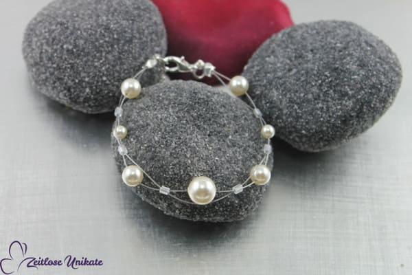 Brautarmband ~ Aus der Reihe tanzen, verspieltes & elegantes Armband ~ außergewöhnlich