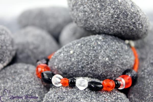 ZUdurcheinander? Oooorangeschwarz + Kette in orangerot und schwarz - -mutiger- Farbwunsch!