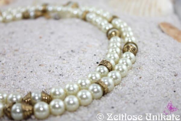 ZUlimitiert 4 von 5 - Brillenkette / Perlenkette -friedliches Ägypten- in weiß und antikgold