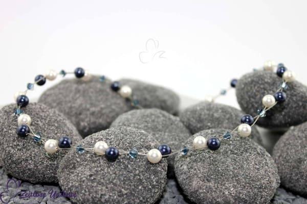 Luftig, filigrane Kette in Montana, dunkelblau & weiß, wunderschöne Perlenkombination - ZUluftig