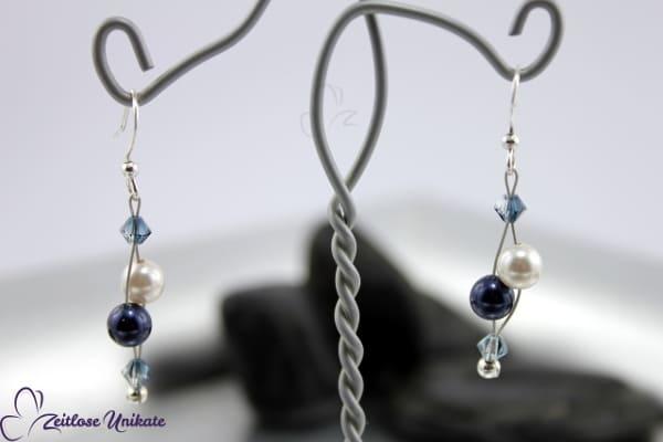 Luftig filigrane Ohrhänger in blau / dunkelblau & weiß, mit vers. Perle - ohne möglich - ZUluftig