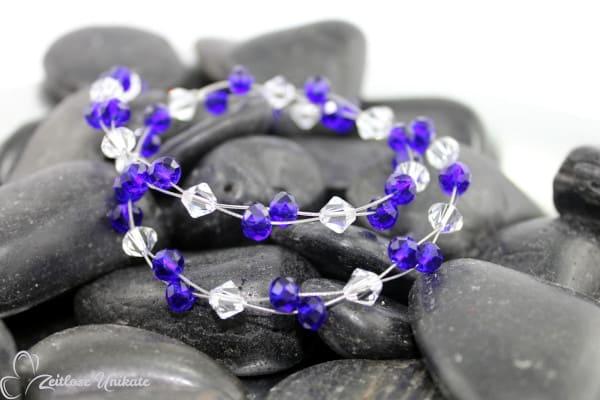 Farbintensive safirblaue Glasperlen & kristallklare Kristalle - sportlich elegante Kette - ZUelegant