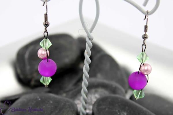 Interessante Ohrhänger in lila, rosa und grün, Komplimentärfarbspiel - ZUgroß