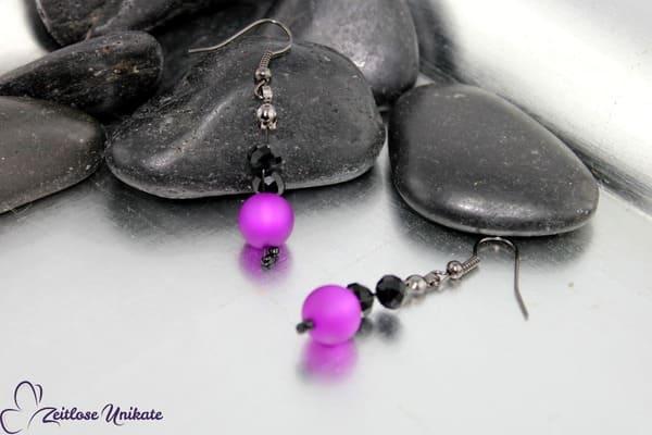Geheimnisvoll in lila und schwarz, wunderschöne Ohrringe - ZUopulent