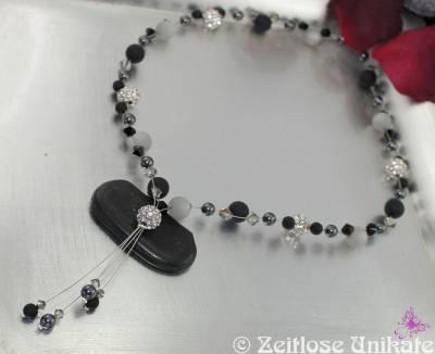 funkelnde YKette in schwarz, grau & Strass, filigranes Ypsilon, elegante Kette andere Farbe möglich