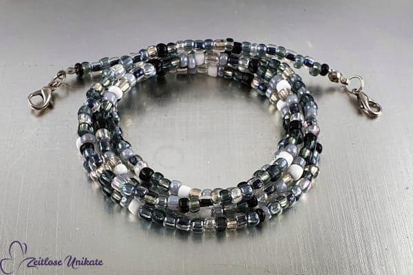 Schlichte Maskenkette in schwarz, weiß und grau auch als Brillenkette oder lange Kette tragbar