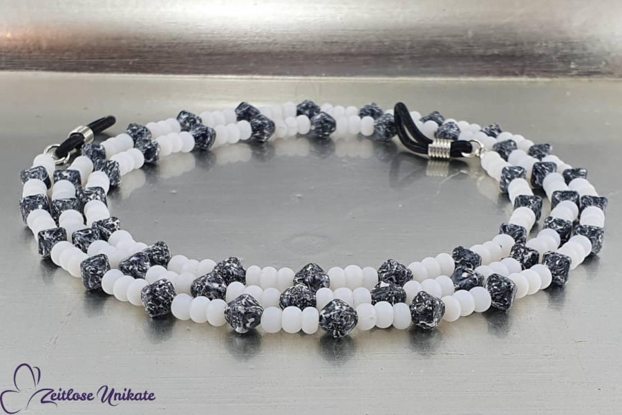 Brillenkette schwarzweißer Marmor, Doppelpyramiden schwarzweiß & Rocailles Perlen alabaster   ZUroca