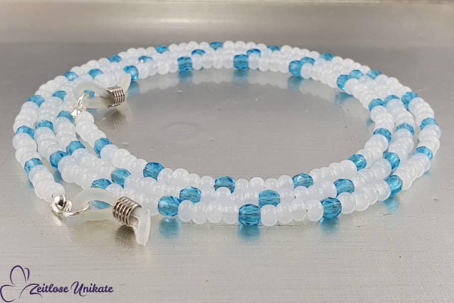 zarte Brillenkette in alabaster weiß mit blauen facettierte Glasperlen | Urlaubsfeeling | ZUroca