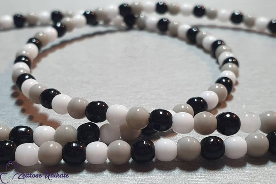 Brillenkette in schwarz weiß grau - kleine runde Perlen - sportlich schick - ZUrund Brillenband
