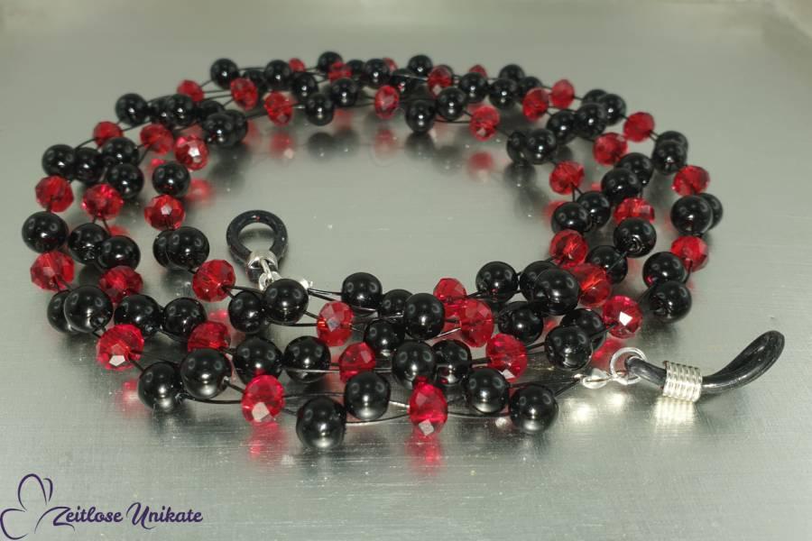 Brillenkette luftig gestaltet in rot und schwarz