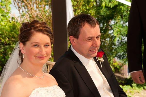 Braut Jeannette mit + Die Schöne + Brautkette mit Kristallperlen + klassisch / elegant